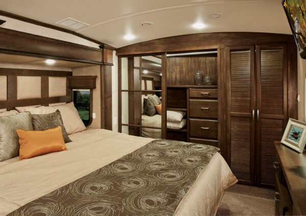 luxury rv bedroom drv tradition rvs for sale in illinois