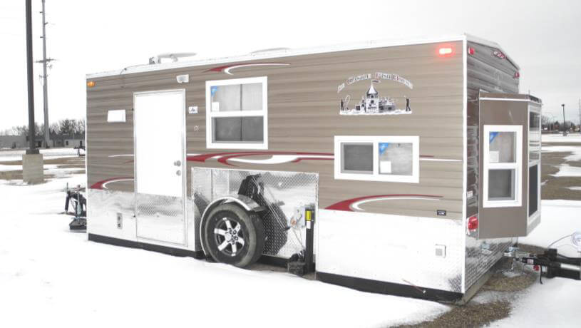 Mille lacs fish house trailers in minnesota for Fish house rv