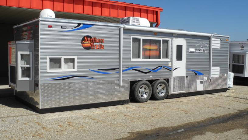 Northern trails fish house trailers in minnesota for Fish house rv