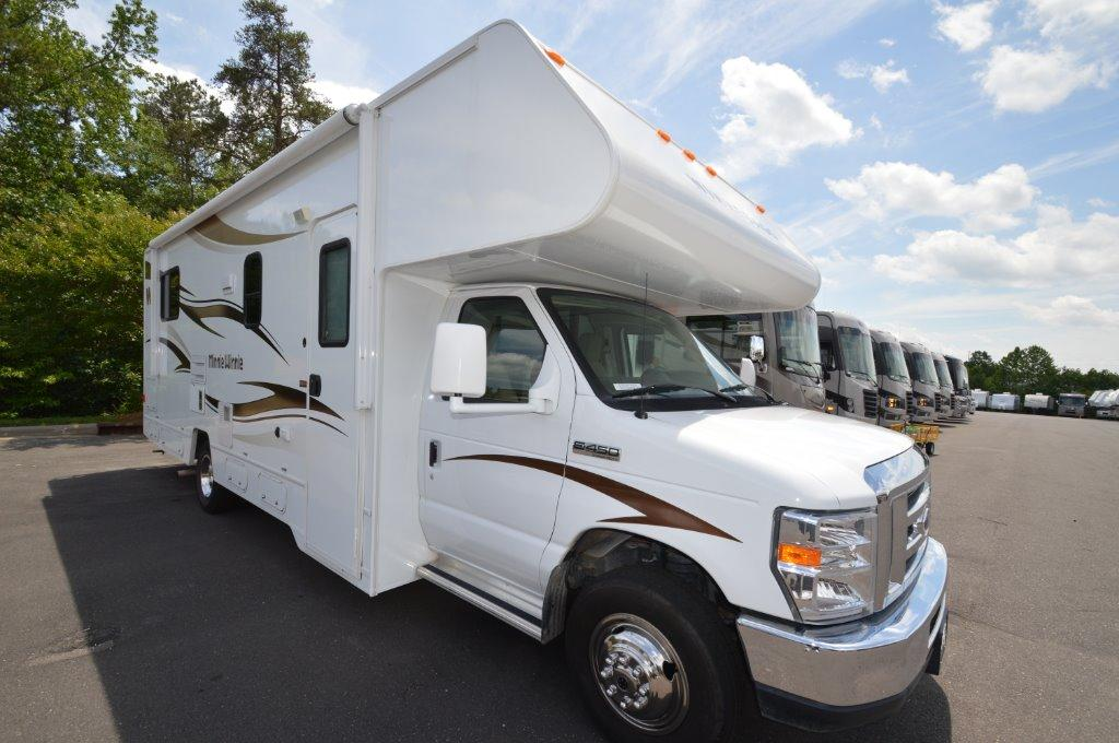 Used 2015 Winnebago Minnie Winnie 27Q Photo