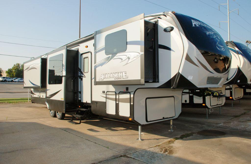 New 2015 Keystone RV Avalanche 380FL Photo
