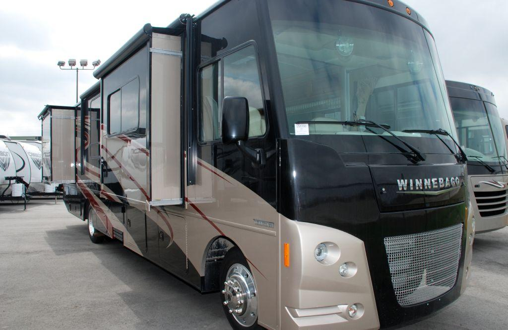 New 2015 Winnebago Vista 36Y Photo