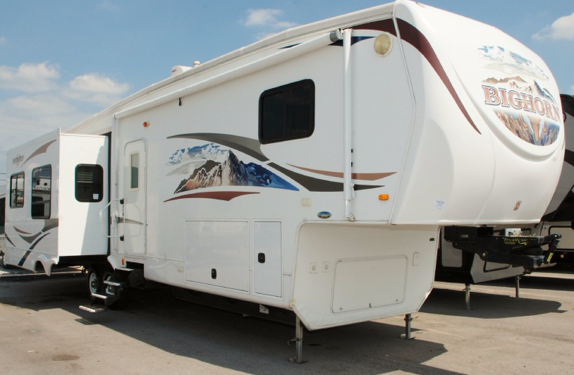 Used 2010 Heartland Bighorn 3600RE Photo