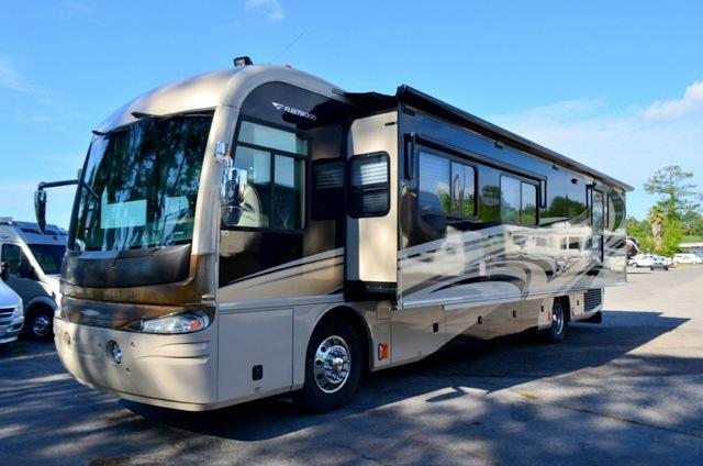 Used 2007 Fleetwood Revolution LE 40V Class A Diesel Pusher Motor Home For Sale 0057