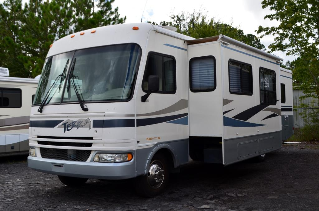 Used 2004 Fleetwood Terra 32S Class A Motor Home For Sale 0001