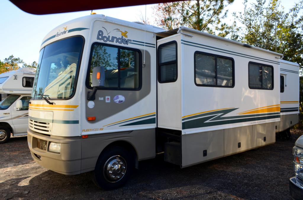 Used 2003 Fleetwood Bounder 36D Class A Motor Home For Sale 0014
