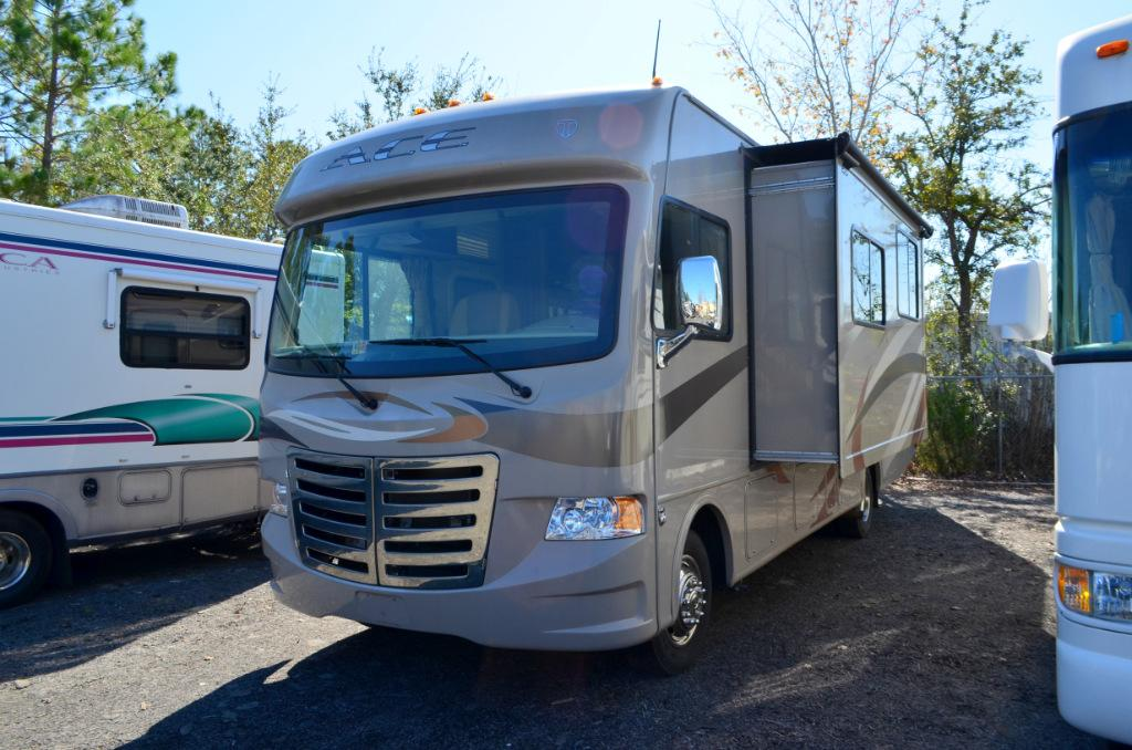 Used 2013 Thor Ace 30.1 Class A Motor Home For Sale 0002
