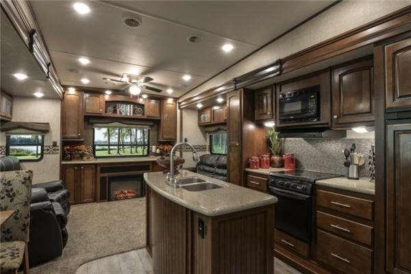 Inside - 2014 ElkRidge 36FLPS Fifth Wheel