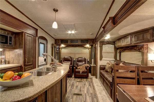 Inside - 2014 Cougar 324RLB Fifth Wheel