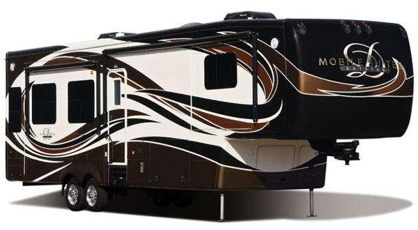 Outside - 2014 Mobile Suites Estates 39RBSB4 Fifth Wheel