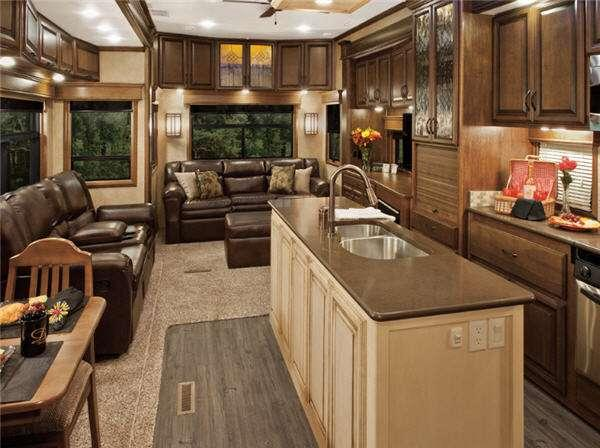 Inside - 2014 Mobile Suites Estates 39RBSB4 Fifth Wheel