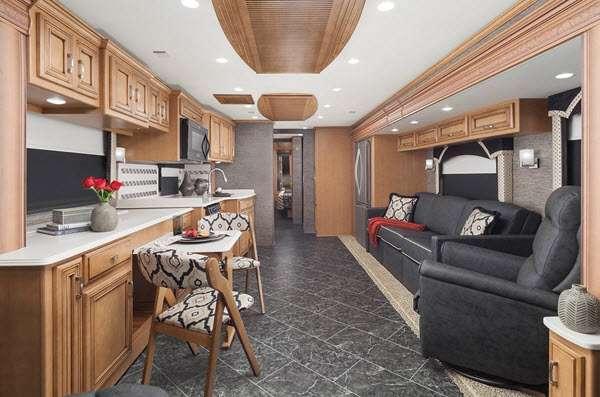 Inside - 2014 Ventana LE 3847 Motor Home Class A - Diesel