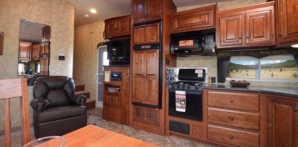 Inside - 2016 Arctic Fox 32-5M Fifth Wheel