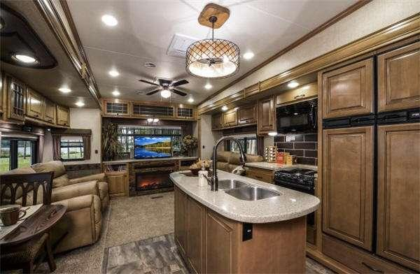 Inside - 2012 Bighorn 2985RL Fifth Wheel