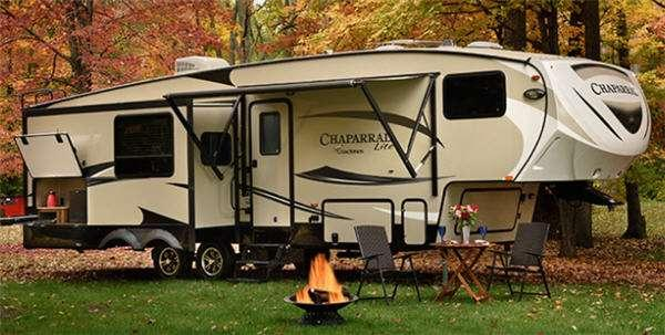 Outside - 2017 Chaparral Lite 295BHS Fifth Wheel