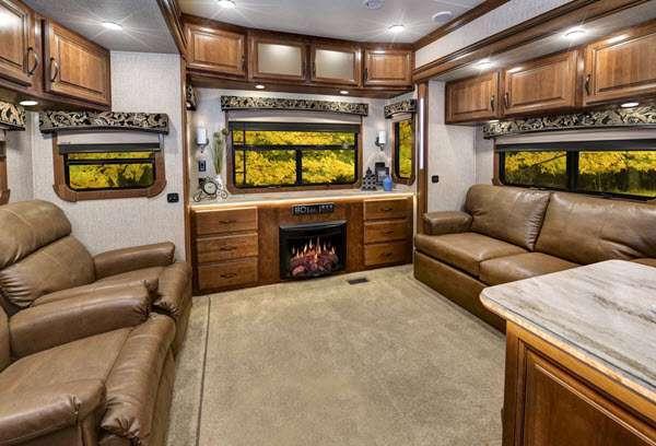 Inside - 2016 Redwood 39MB Fifth Wheel