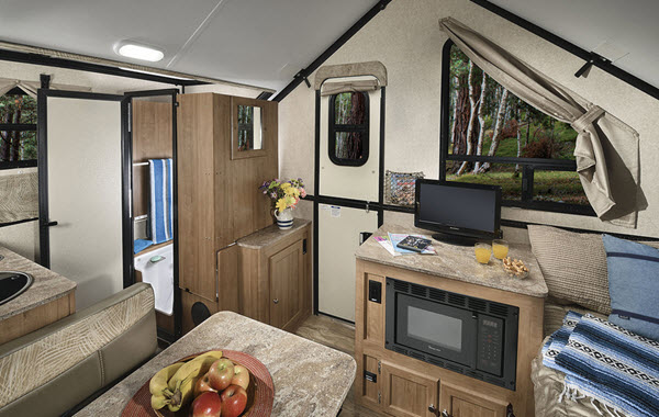 New Forest River RV Flagstaff Hard Side High Wall Series 21QBHW A ...