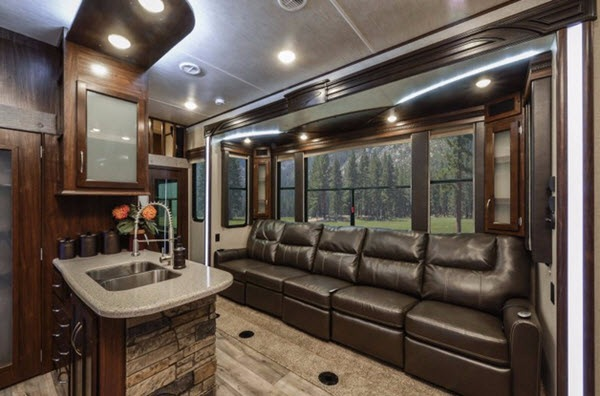 Cyclone Toy Hauler >> New Heartland Cyclone 4113 Toy Hauler Fifth Wheel For Sale