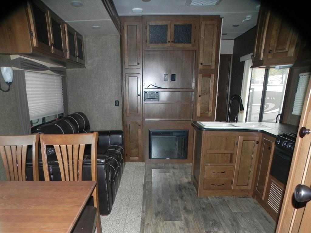 New 2015 Heartland Resort Limited 41 BHL Photo