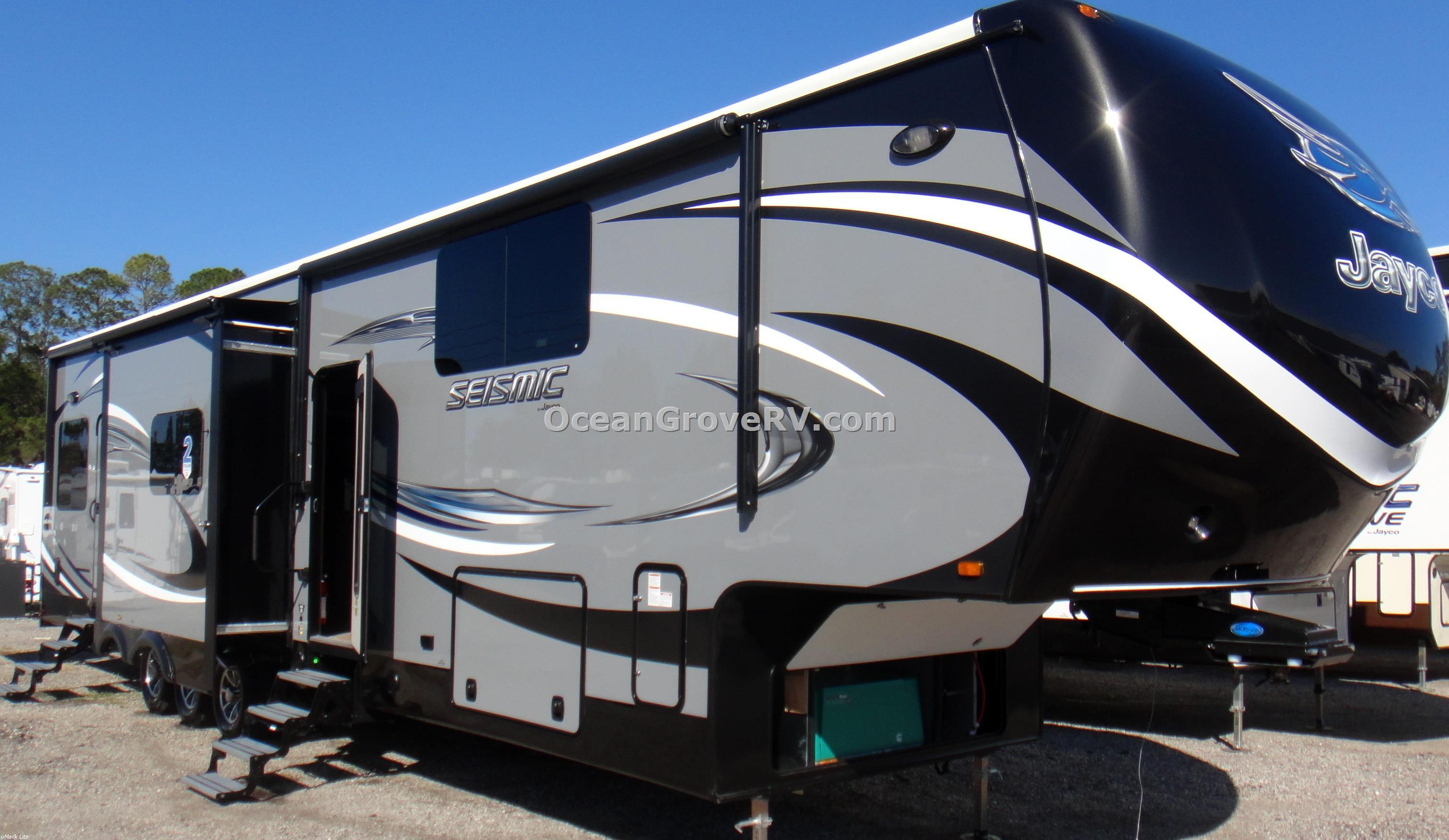 New 2016 Jayco Seismic 4250 Photo