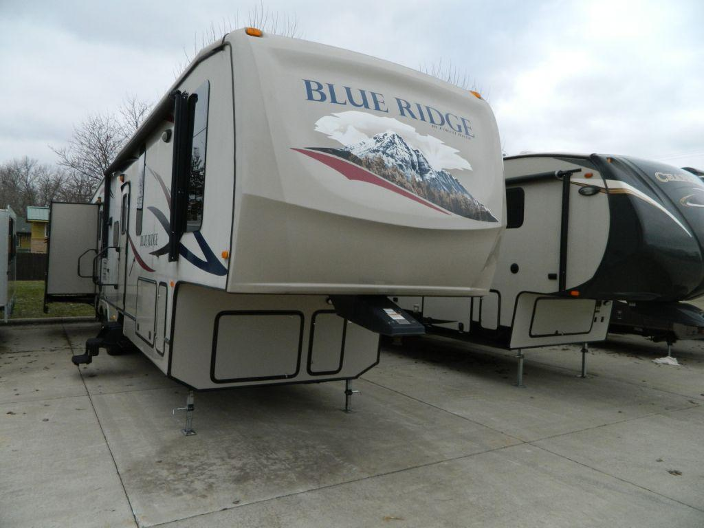 Used 2011 Forest River RV Blue Ridge 3705BH Photo