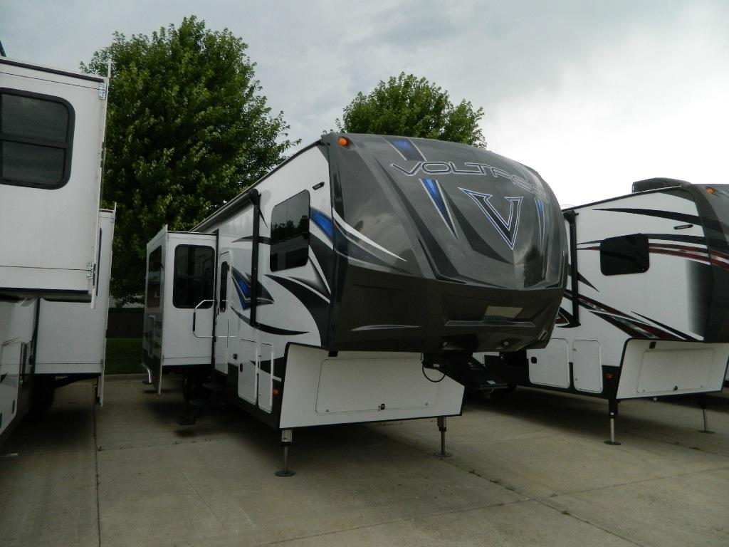 New 2016 Dutchmen RV Voltage V-Series V3605 Photo