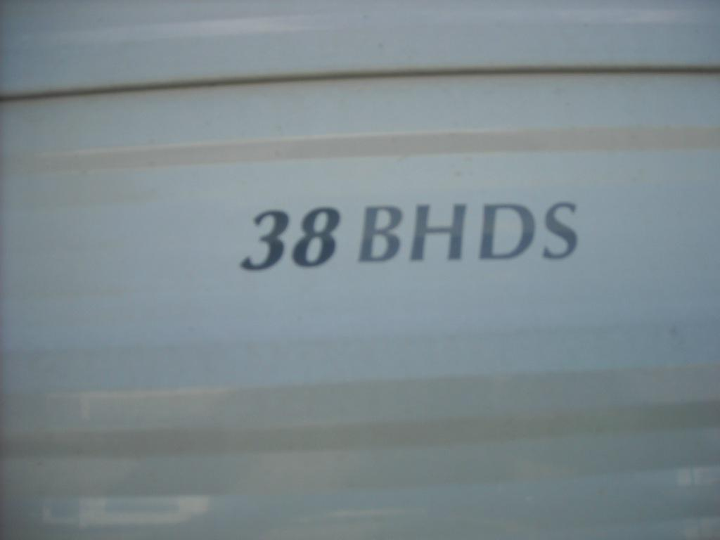 Used 2005 Forest River RV Wildwood 38bhs Photo