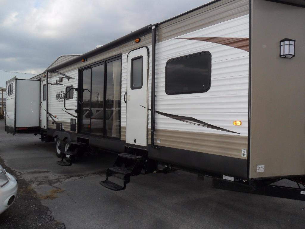 New 2017 Forest River RV Salem 402QBQ Photo