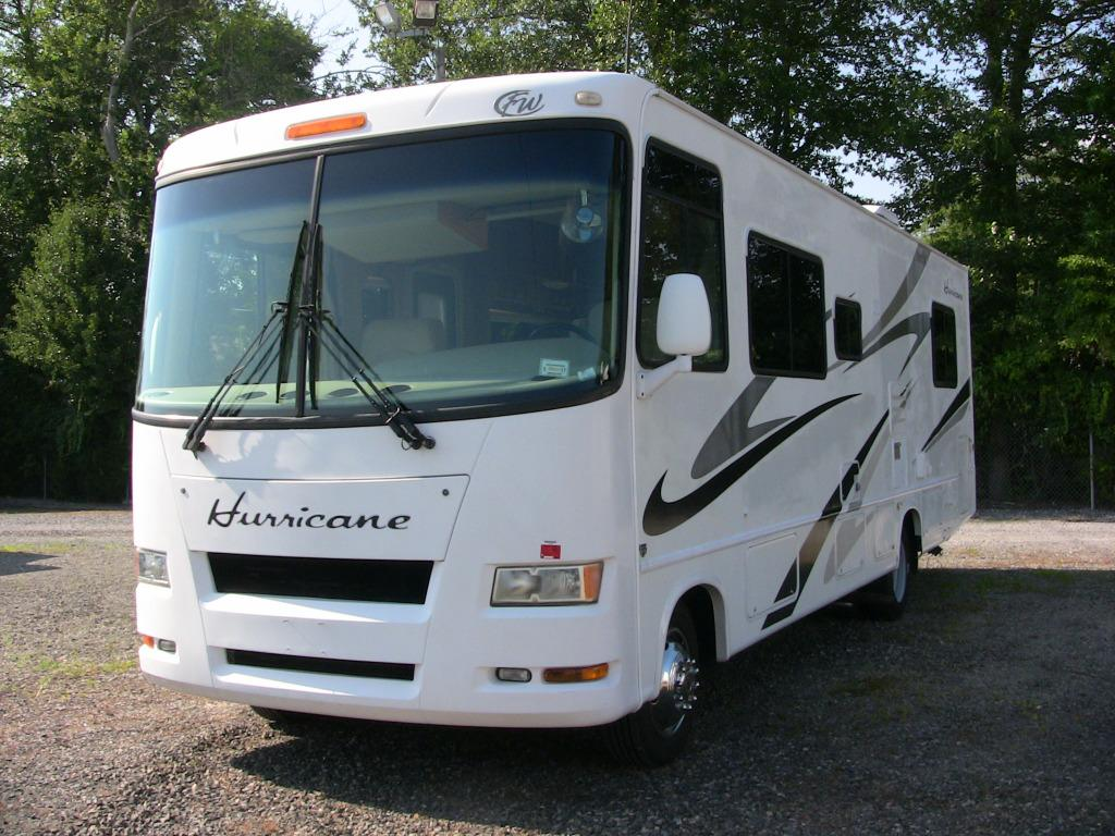 Used 2007 Four Winds RV Hurricane 30Q Photo